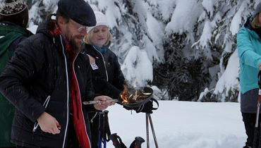 Snow shoe walk with winter smoking - Thiersee