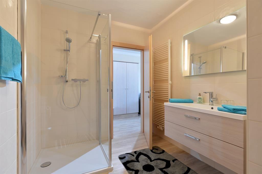 pension schenkenfelder bad h ring. Black Bedroom Furniture Sets. Home Design Ideas